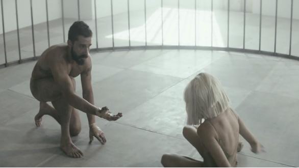 """Sia, il nuovo singolo è """"Elastic Heart"""": il video ufficiale"""