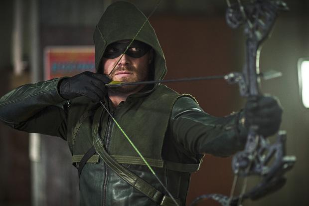 Comic Con: Arrow 4, nuovo costume di Oliver, nuovi persgonaggi a molto altro
