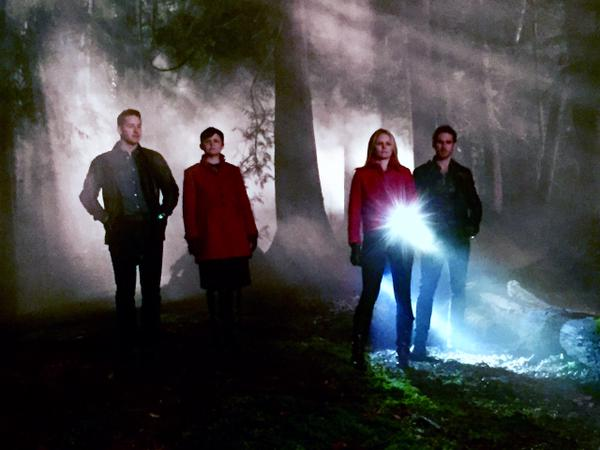 """Once Upon A Time 4"": nuove foto dal set con David, Snow White, Emma, Hook e Regina"