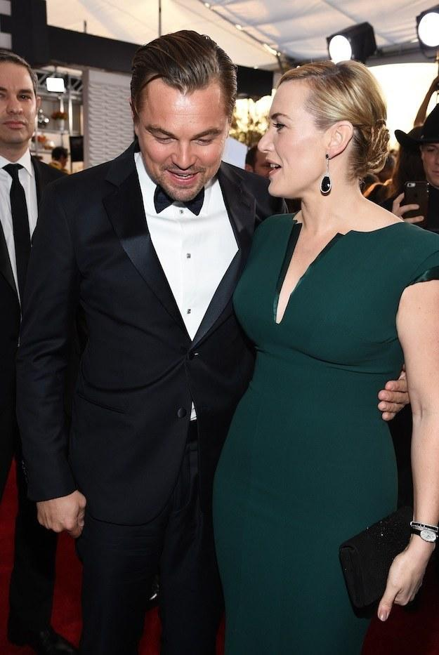 leonardo-dicaprio-and-kate-winslet-looked-perfect-together-at-the-sag-awards_4