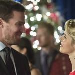 Arrow: una foto SPOILER rivela il futuro di Oliver e Felicity