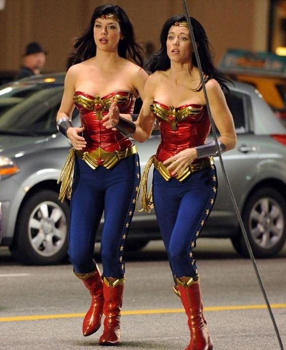 Adrienne-Palicki-Wonder-Woman-564x690