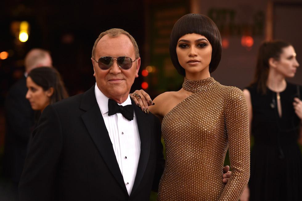 Lo stilsita Michael Kors con l'attrice e modella Zendaya (Dimitrios Kambouris/Getty Images)
