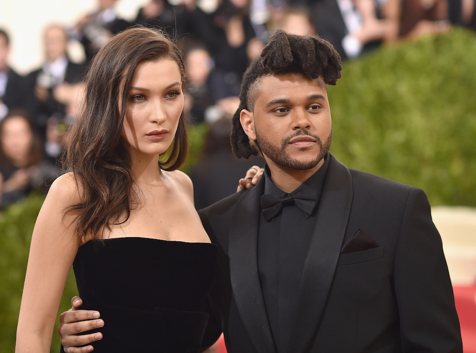 Bella Hadid e The Weeknd  (Dimitrios Kambouris/Getty Images)