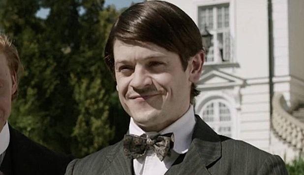 Iwan Rheon dopo Ramsay Bolton interpreterà il giovane Hitler