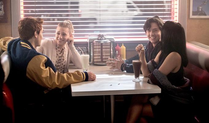 Riverdale rinnovato ufficialmente per la seconda stagione