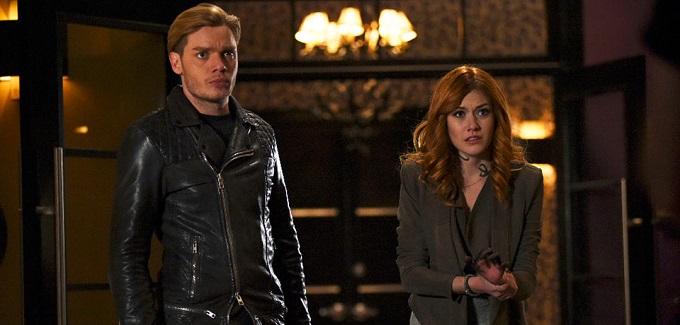 Shadowhunters 2B: Clary deve sceglie tra Jace e Simon nel nuovo promo