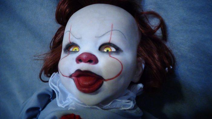 La bambola di Pennywise che tutti i fan dell'Horror ameranno